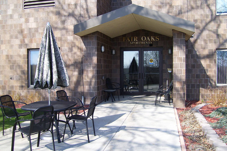 fair oaks apartments entrance