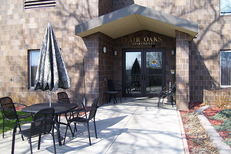 fair oaks apartments entrance